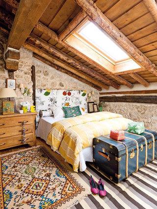 多种色彩勾勒彩色卧室