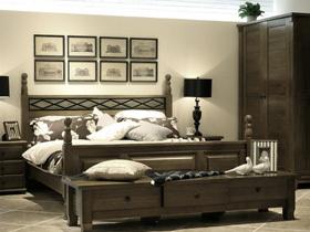 床头柜是卧房家具中的小角色
