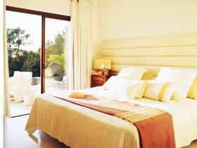 17款卧室落地窗 别具一格的地中海风格