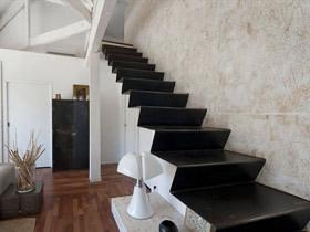体验极致简约的美 15款黑色极简楼梯