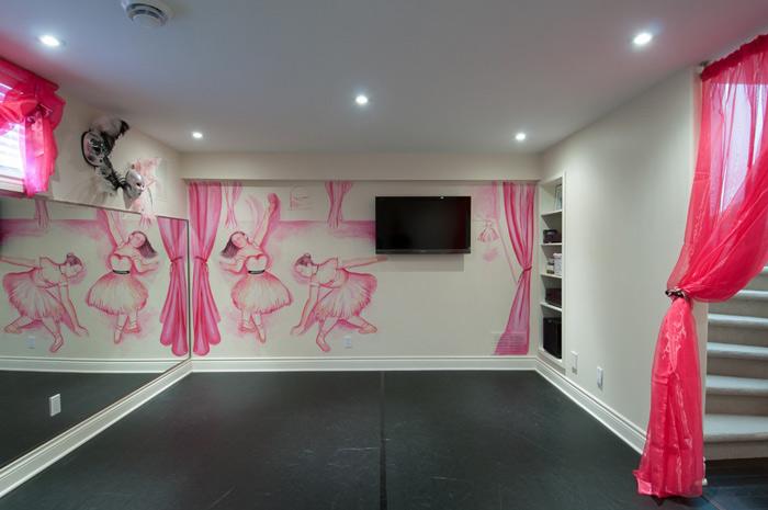 现代简约风格时尚手绘墙装修效果图