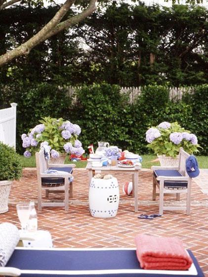 地中海风格温馨花园餐桌效果图