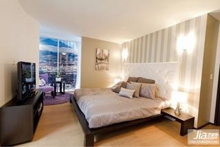 二室一厅装修效果图 简欧浪漫的红色沙发客厅装修图片