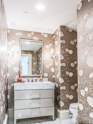 咖啡色卫生间壁纸图片