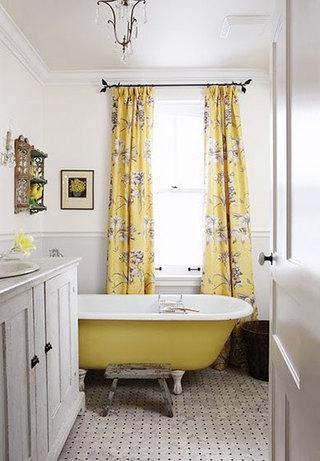 黄色卫生间浴缸图片