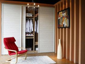 5款百叶门整体衣柜设计 打造时尚简洁家