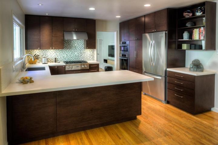 红色厨房橱柜安装图