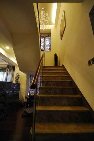 欧式风格别墅奢华楼梯装修效果图