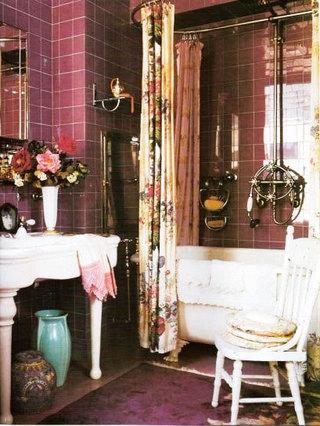 浪漫紫色卫生间瓷砖效果图