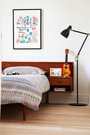 宜家风格实用床头柜图片