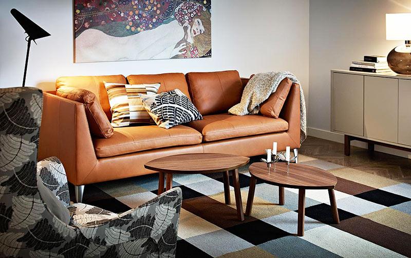 咖啡色宜家沙发图片