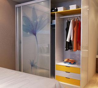 简约玻璃门衣柜设计