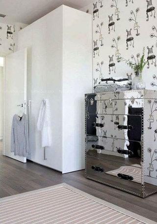 简约白色衣柜设计