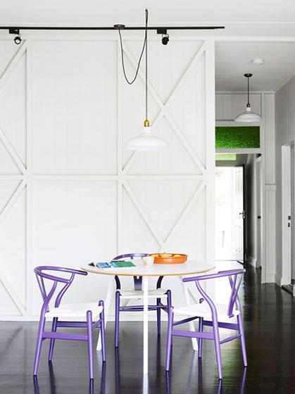 白色餐厅吊灯装修效果图
