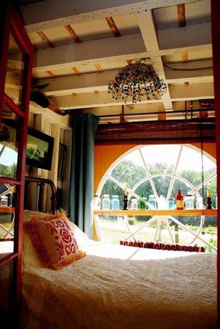 东南亚度假风情卧室吊顶效果图