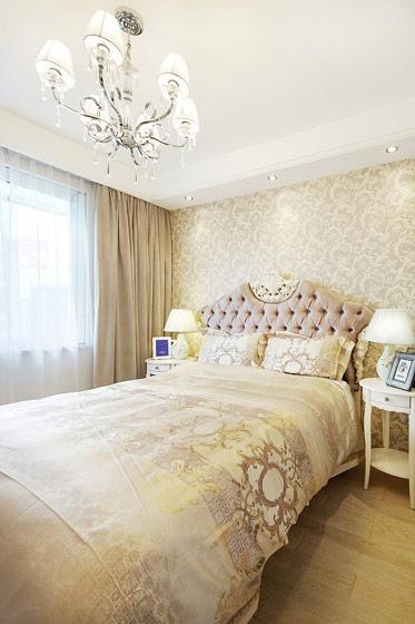 欧式暖色系卧室效果图