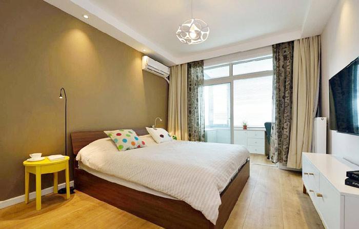 简约卧室实木床效果图