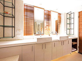 13张狭长浴室柜设计图 打造大气卫生间