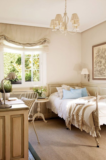 温馨浅灰色卧室效果图