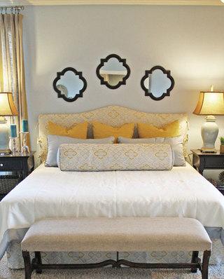 黄色白色卧室效果图