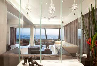 客厅玻璃隔断效果图