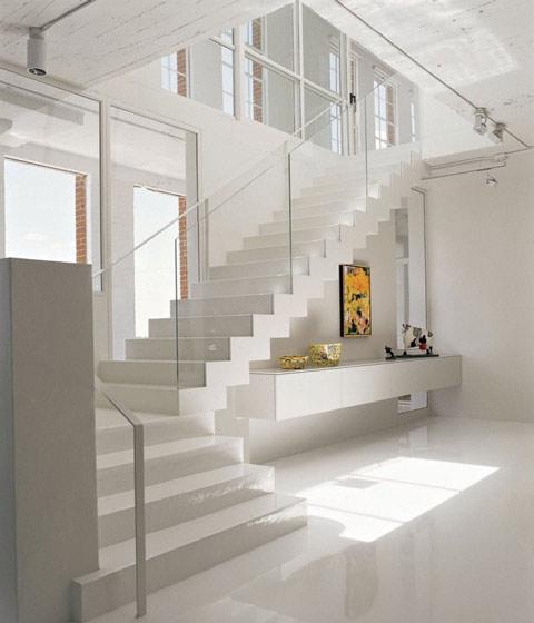 白色简约楼梯效果图