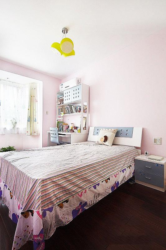 白色儿童床效果图
