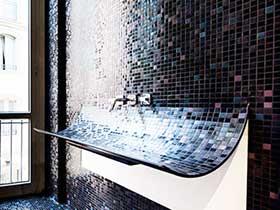 清新地中海风情 马赛克砖砌洗手台设计