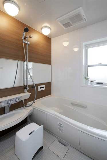 温馨白色卫浴设计效果图