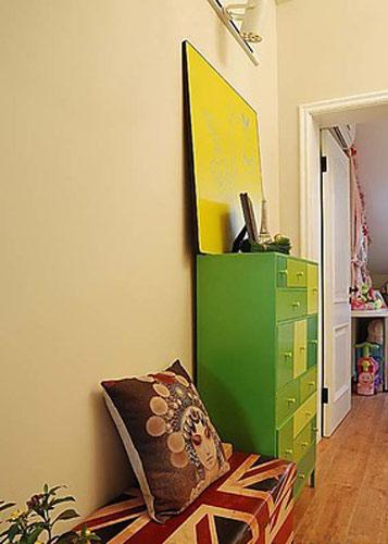 草绿色玄关柜效果图