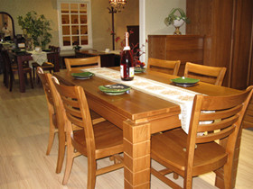 实木餐桌椅品牌排行