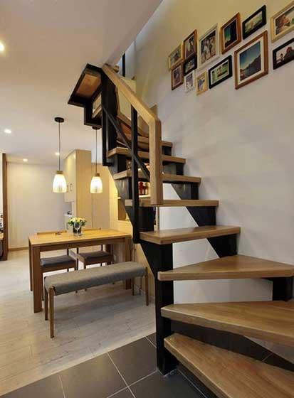 迷你温馨楼梯照片墙设计效果图