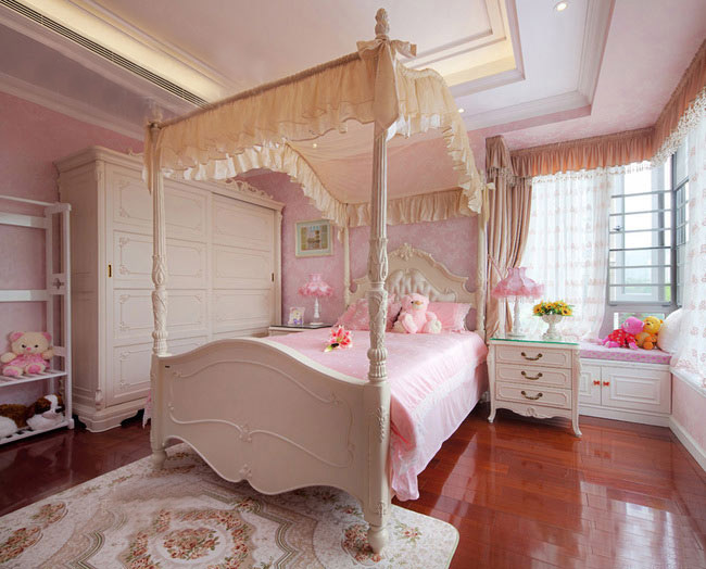 卧室装潢设计图 弧形飘窗效果图