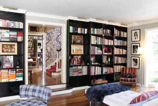 客厅黑色书柜设计效果图