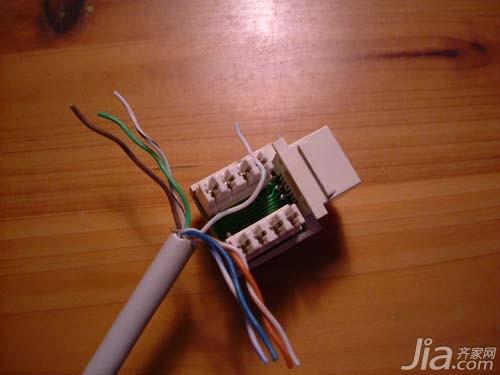 我们的网线插座或者网线水晶头都只能在a和b中选择一种方式接线,若果