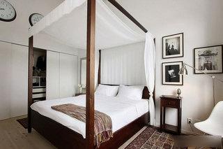 白色简洁卧室设计效果图