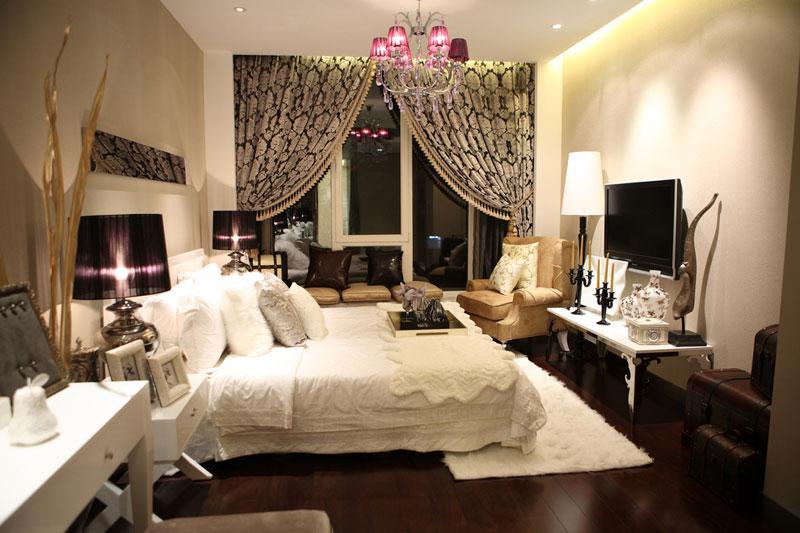 欧式简约卧室设计效果图