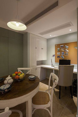 美式风格二居室温馨70平米设计图纸