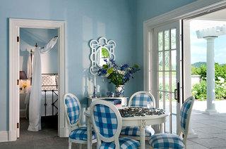 淡蓝色餐厅背景墙