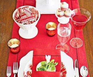大红色中式风格桌布