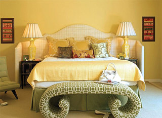 温暖黄色系卧室设计