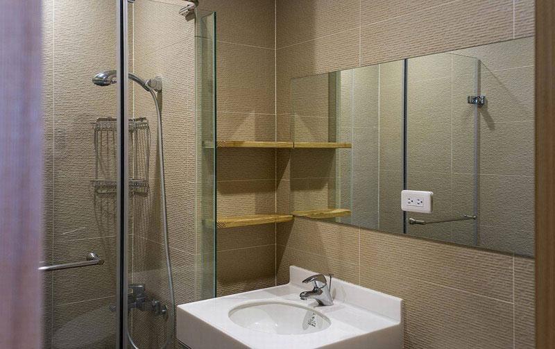 日式温馨卫生间设计效果图