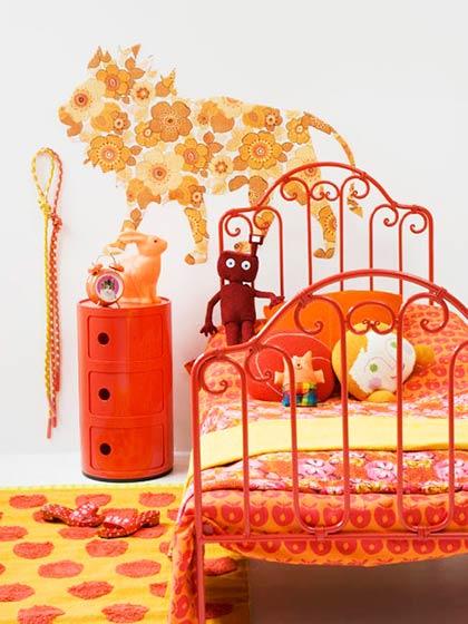 可爱橘黄色女生卧室