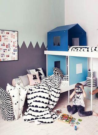 紫色+蓝色儿童房墙面
