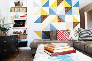 蓝色+黄色客厅背景墙