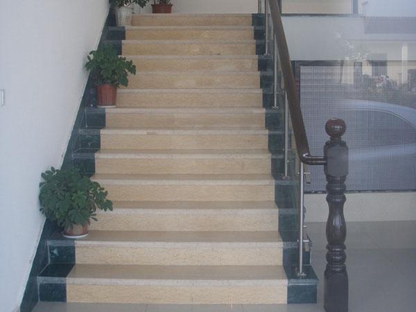 楼梯踏步板的选购指南