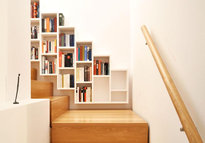 创意楼梯变身书架墙