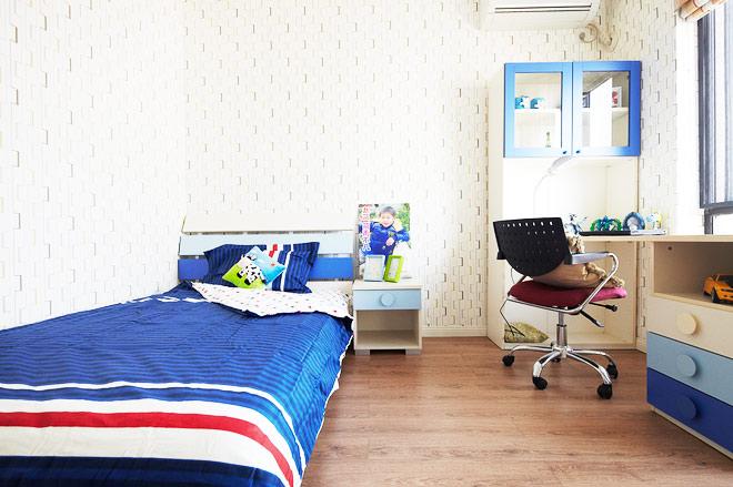 现代简约跃层装修儿童房设计