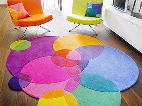简单中的舒适 18款客厅地毯设计