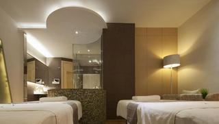 现代美容院装饰室内效果图